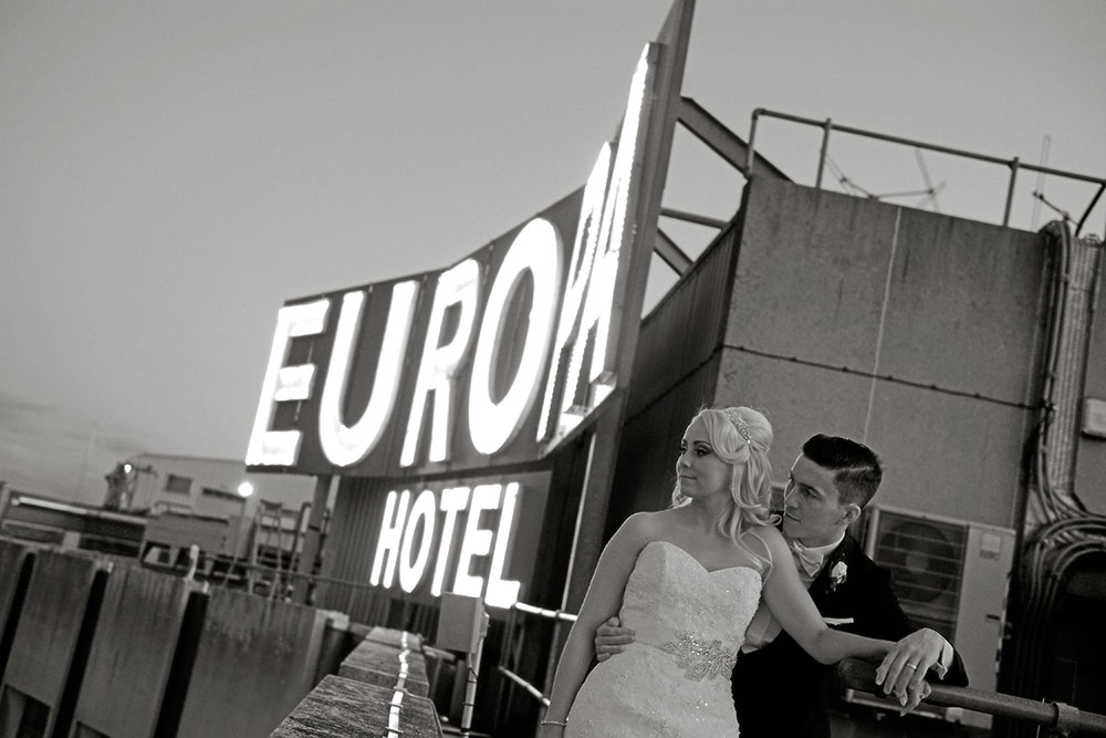 europa hotel belfast wedding photo